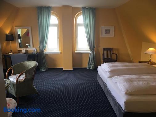 Hotel Schweriner Hof - Kuehlungsborn - Bedroom