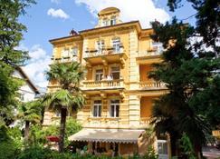Hotel Westend - Мерано - Здание
