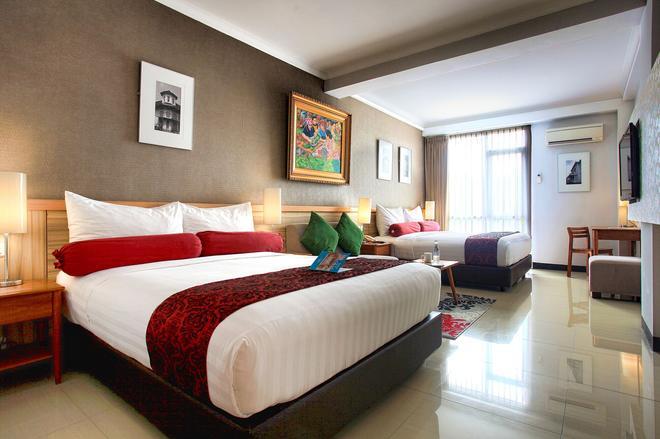 Ivory Hotel Bandung - Bandung - Bedroom