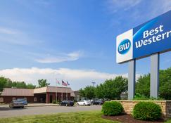 SureStay Plus Hotel by Best Western Albany Airport - Albany - Building