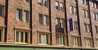 Hotel Midpoint Helsinki - הלסינקי - בניין