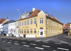 Hotel Færgegaarden - Faaborg - Rakennus