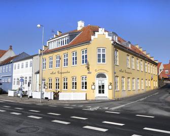 Hotel Færgegaarden - Faaborg - Gebouw