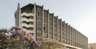 赫斯珀里亞聖胡斯特酒店 - 聖胡斯托德斯韋爾恩 - 巴塞隆納