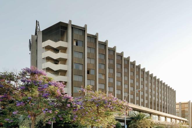 Hotel Hesperia Sant Just Desvern - Barcelona - Edificio