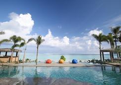 Dusit Thani Guam Resort - Tamuning - Uima-allas
