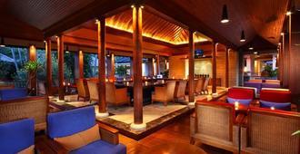 Santosa Villas & Resort - Mataram - Bar