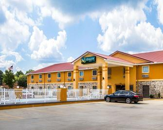 Quality Inn Fort Payne I-59 exit 222 - Форт-Пейн - Building