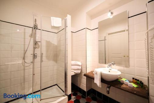 Decumani Hotel De Charme - Naples - Bathroom