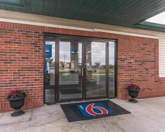 Motel 6 Georgetown - Lexington North - Джорджтаун - Здание