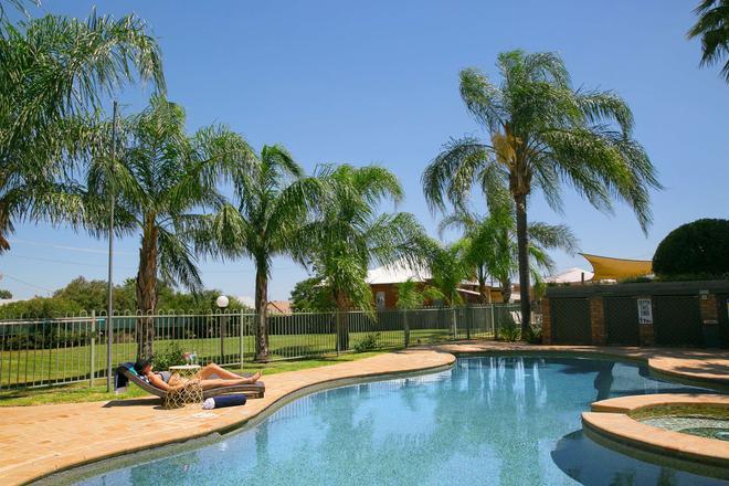 貝斯特韋斯特保護區酒店 - 坦沃斯 - 塔姆沃思 - 游泳池