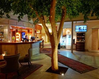 Best Western Strand Hotel - Вісби - Бар