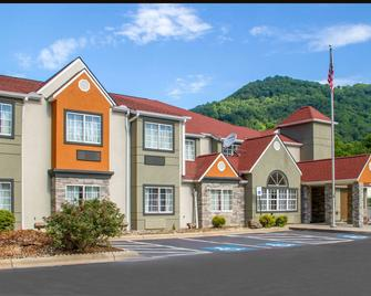 Quality Inn and Suites Maggie Valley - Cherokee Area - Maggie Valley - Building