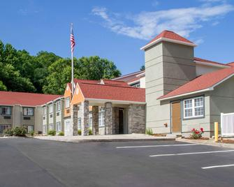 Quality Inn and Suites Maggie Valley - Cherokee Area - Maggie Valley - Gebäude