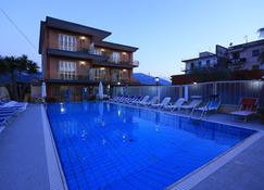 Hotel Pompei - Pompeji - Pool