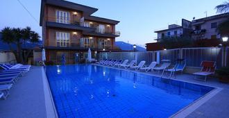 Hotel Pompei - Pompei - Pool