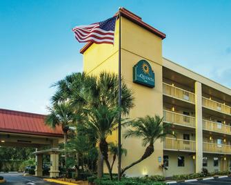 La Quinta Inn by Wyndham West Palm Beach - Florida Turnpike - West Palm Beach - Building