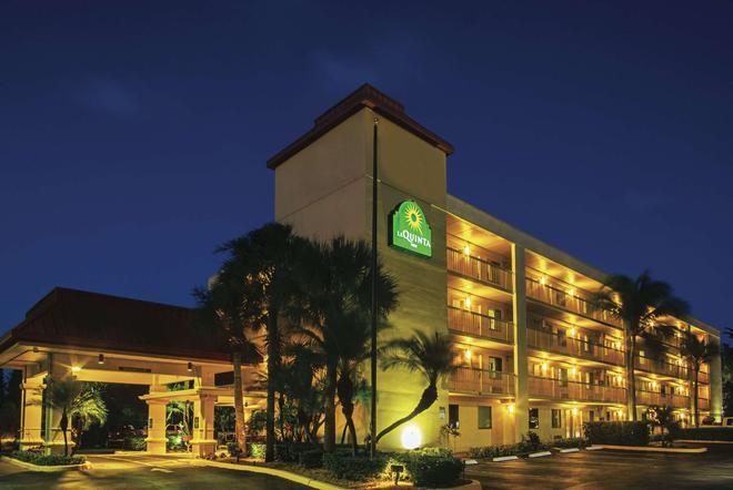 La Quinta Inn by Wyndham West Palm Beach - Florida Turnpike - West Palm Beach - Building