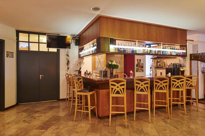 Top Dürer Hotel Nürnberg - Nuremberg - Bar