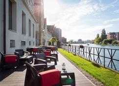 Qubus Hotel Gdansk - Danzig - Innenhof
