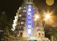 Petrus Hotel - Paracin - Gebäude