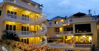 Mermaid Resort Puerto Galera - Puerto Galera - Toà nhà