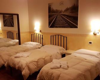 Grand Hotel Lamezia - Lamezia Terme - Slaapkamer