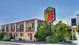 Super 8 by Wyndham Santa Cruz/Beach Boardwalk East - Santa Cruz - Rakennus