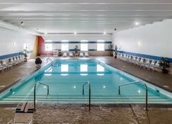 Comfort Inn & Suites Event Center - Des Moines - Pool