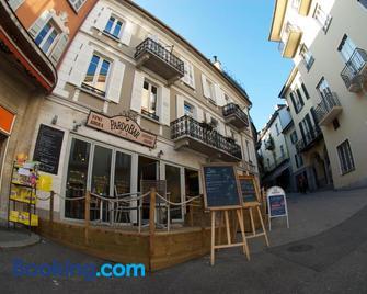 Pardo Bar - Локарно - Building
