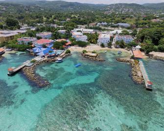 Franklyn D. Resort & Spa - Runaway Bay - Gebouw