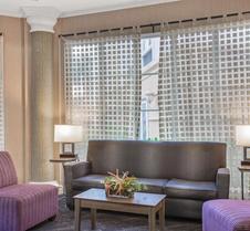 La Quinta Inn & Suites by Wyndham Miami Airport West