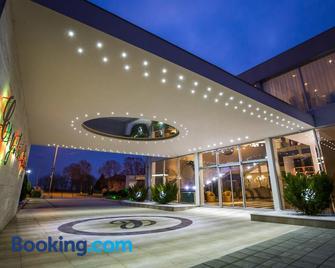 Hotel Crystal Light - Niš - Edificio