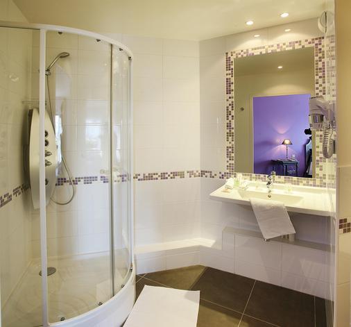 Best Western Plus Hostellerie Du Vallon - Trouville-sur-Mer - Bathroom