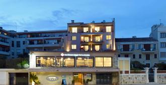 Best Western PLUS La Corniche - Toulon - Building