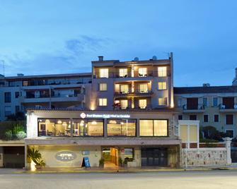 Best Western PLUS La Corniche - Toulon - Building
