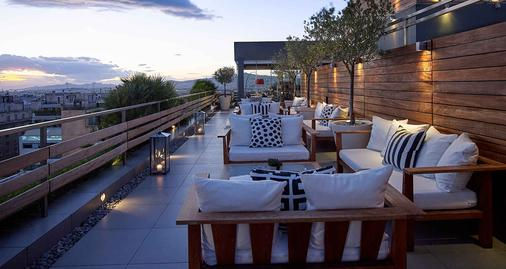 Fresh Hotel, Athens, a Member of Design Hotels' - Athens - Balcony