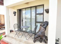 Mpofu Guest House - Harare - Binnenhof