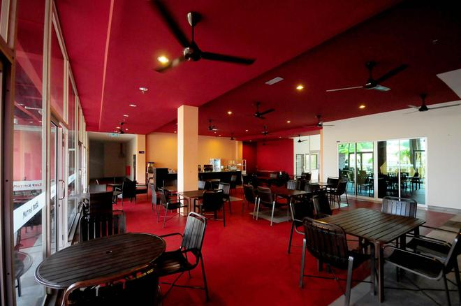 OYO 44082 Kuala Melaka Inn - Langkawi Island - Restaurant