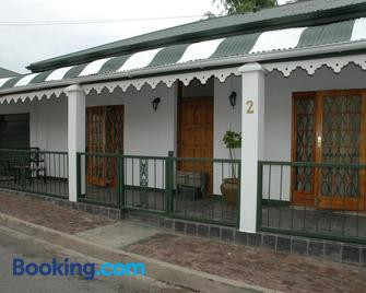 Horse and Mill Guesthouse - Colesberg - Gebouw