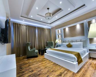 Hotel Heritage Luxury - Srinagar - Bedroom