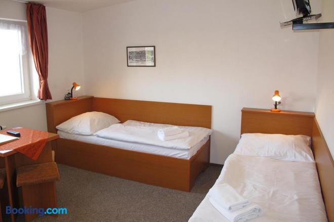 Hotel Zamecek - Mikulov - Bedroom