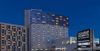 Four Points by Sheraton Niagara Falls Fallsview - Niagara Falls - Building