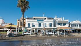 Hotel La Chancla - Málaga - Building