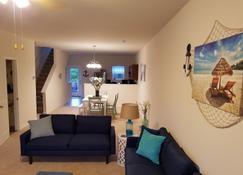 Jds Place - Carolina Beach - Living room