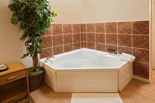 Americas Best Value Inn Weatherford, Tx - Weatherford - Spa
