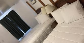 Extended Stay Studios - Montgomery - Bedroom