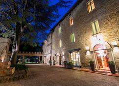 Parco Dei Cavalieri - Assisi - Κτίριο