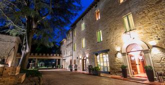 Parco Dei Cavalieri - Assisi - Bygning