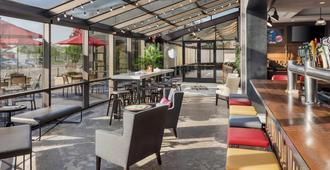 Delta Hotels by Marriott Minneapolis Northeast - Minneapolis - Restaurant